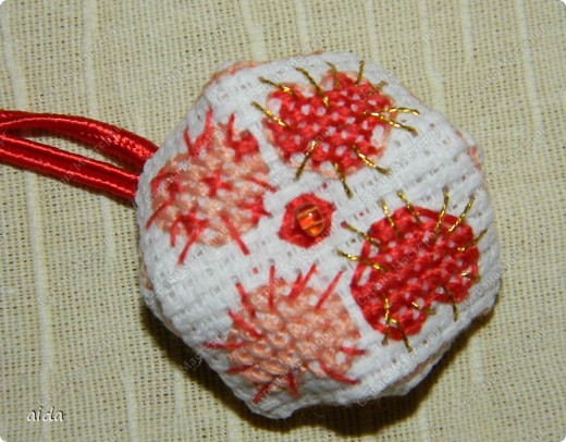 А вот и она...малютка бискорнюшка с сердечным мотивом... фото 1