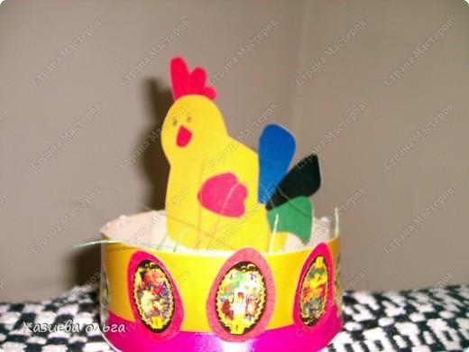 Курочка с корзиной под пасхальные яички. Схему давно нашла в просторах интернета, где-то на детских сайтах.  фото 1