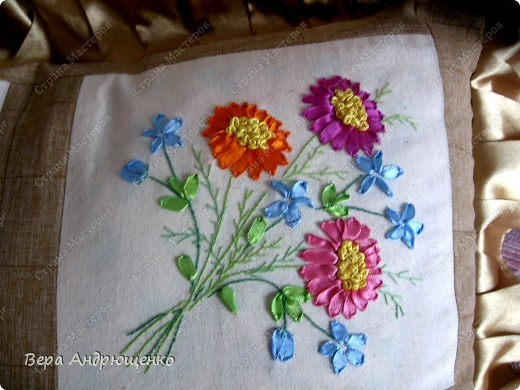 """Общий вид подушки """"Цветочная"""" фото 3"""