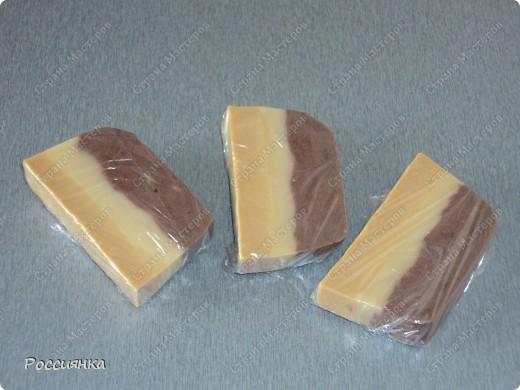 Проба слоеного мыла. Горький шоколад, облепиховое масло. Отдушка - ЭМ лимон и чайное дерево. фото 1