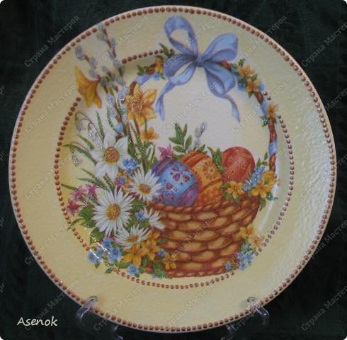 Увидев тарелочку которую я делала для свекрови народ сразу назаказывал у меня 5 тарелок :) Это фото со вспышкой. фото 6