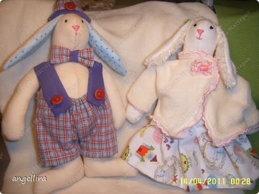 вот такие славные у меня получились зайчата, они сразу полюбили друг друга, а я их :) фото 2