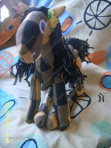 прискакала чёрно-жёлтая лошадка :) фото 3