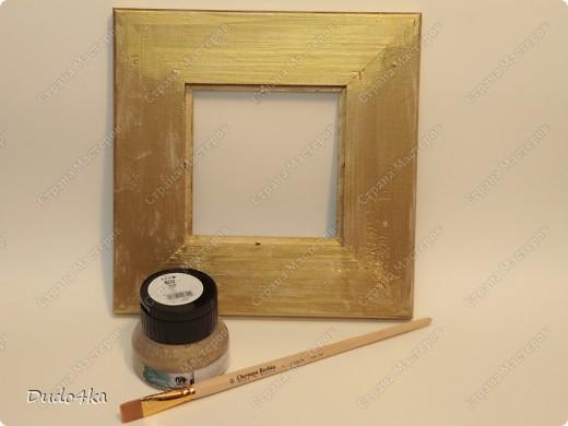 Хочу предложить Вам вариант декора деревянной рамки. Здесь декупаж, состаривание кракелюрным лаком и декор листовой окисленной поталью. фото 4
