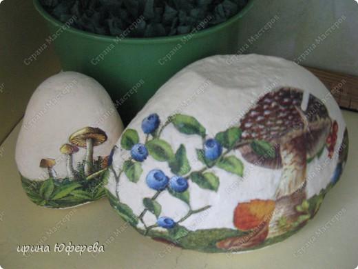 Моя мечта сбылась, детишки принесли камни и я их оформила салфетками.... фото 1