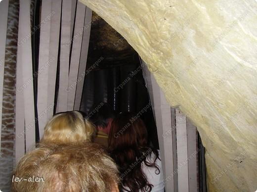 Воодушевившись фотопутешествиями Олесандры и фоторепортажем из московского зоопарка Hani , решила пригласить вас в виртуальное путешествие по парку Дворца Шёнбрунн  ( венской резиденции австрийских императоров ) и расположенному там зоопарку. Построенный в 1752 году в качестве императорского зверинца, он является старейшим зоопарком в мире. В то время зоопарк был доступен только членам императорской семьи. Император Иосиф II особенно любил это место, и сделал немало для развития парка. Он много путешествовал по Африке и Америке, привозя из каждой поездки животных для пополнения коллекции. При нем же, в 1779г., зоопарк открыли для публики, причем бесплатно.  фото 36