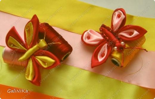Всем! Доброго здравия!    Сегодня  расскажу о том, как я делаю бабочек, используя ленточки.    Для начала о бабочках из капроновых лент (давно обещанный мастер-класс тем, кому понравилась моя первая бабочка).   фото 16