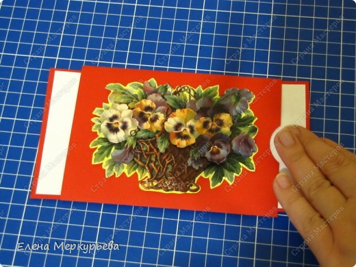 Вот такая ничем не примечательная открытка. Кстати карзина с цветочками объемная, жалко на фото этого не видно. фото 2