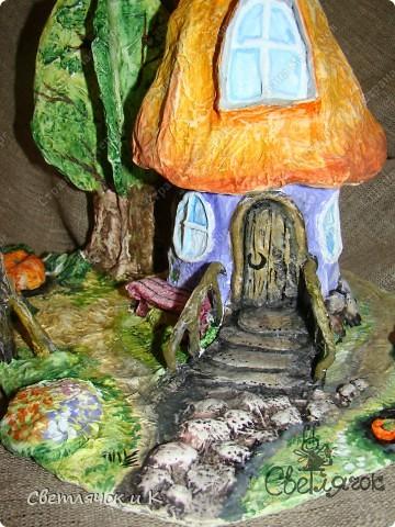 Вот такой домик можно сделать практически из мусора) Итак приступим))) фото 11
