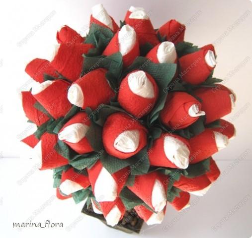 Даже войны названы именем Алой и Белой роз. Как уж можно было связать такую нежную розу с кровавой жестокой войной, где погибла большая часть английской знати.     фото 2