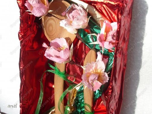 Моя знакомая собралась на годовщин свадьбы,оказалось свадьба деревянная,вот как я ей оформила подарок-деревянную ложечку и лопатку. фото 3