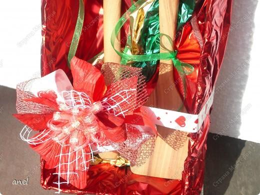 Моя знакомая собралась на годовщин свадьбы,оказалось свадьба деревянная,вот как я ей оформила подарок-деревянную ложечку и лопатку. фото 2