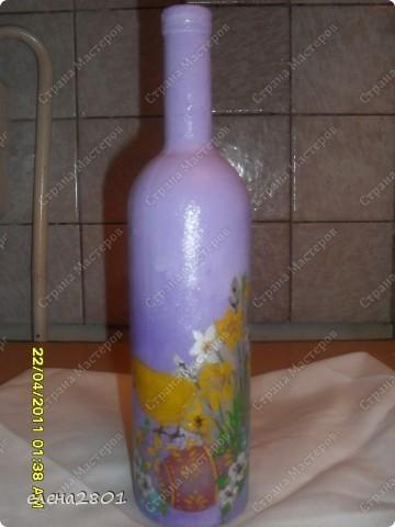 """Увидела у нас в магазине Пасхальные скатерти,прикупила на подарки. Потом решила их дополнить наборчиками из бутылки и тарелочки. Бутылочки полные,в них вино"""" Кагор"""".Вот такие подарки я приготовила к Пасхе. фото 5"""