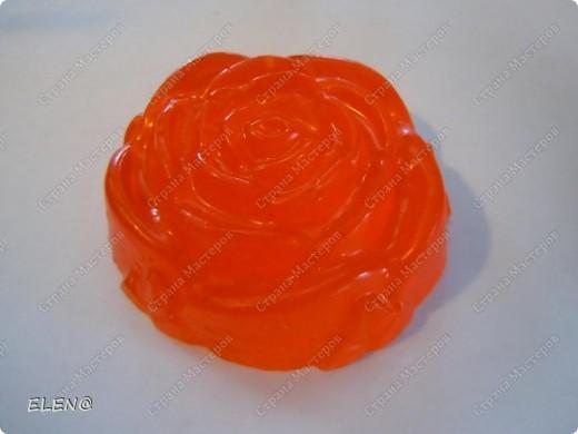Мыло-скраб Пирожное клубника со сливками и конечно с запахом клубники и кофе фото 3