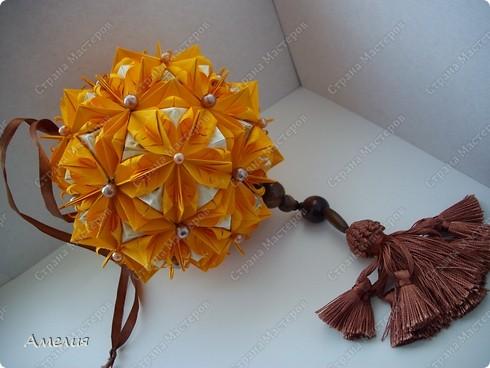 это моя двухсотая кусудама. Модель Stone Flower Всего 90 оранжевых модулей и 60 пирамидок фото 6