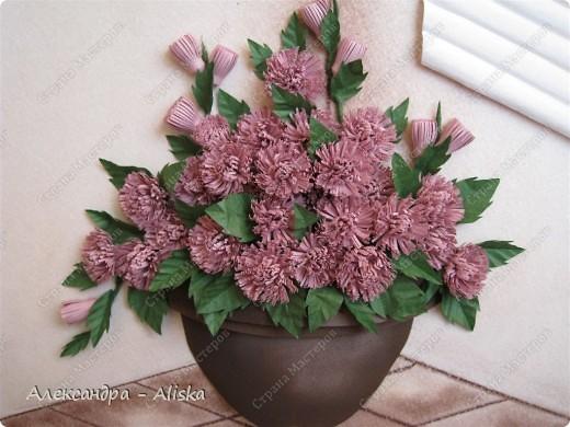Это мой клевер с курсов, правда почему эти цветы  так назвали не знаю, они больше похожи на хризантемки. Как бы цветы не назвали, мне картина понравилась, смотрится интересно. К сожалению работа пока без рамы,ну ничего что-нибудь подберу позже.  фото 2