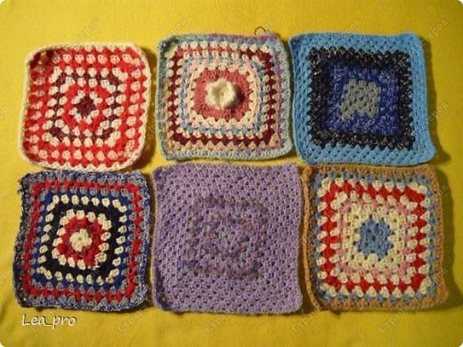 Одеяло, связанное крючком из квадратов 20*20 см почти в полном сборе.  фото 4