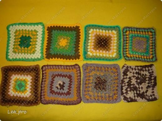 Одеяло, связанное крючком из квадратов 20*20 см почти в полном сборе.  фото 5