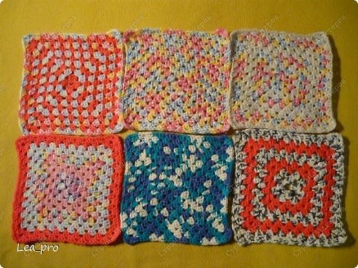 Одеяло, связанное крючком из квадратов 20*20 см почти в полном сборе.  фото 6