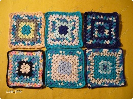 Одеяло, связанное крючком из квадратов 20*20 см почти в полном сборе.  фото 7