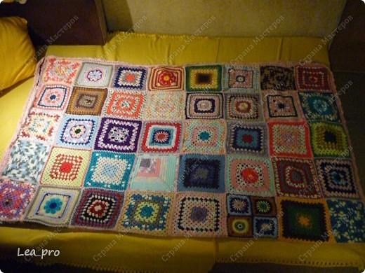 Одеяло, связанное крючком из квадратов 20*20 см почти в полном сборе.  фото 13