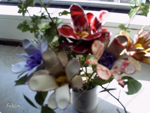 Цветы из яичных упаковок 2 фото 5