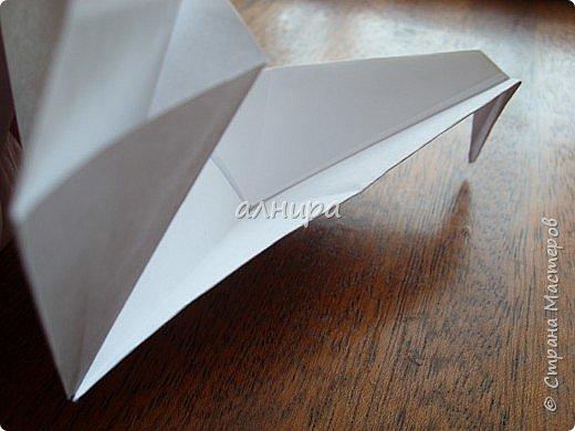 Автор книги-Соколова С.В. Оригами. Большая энциклопедия поделок. Птица складывается просто. А много фотографий, потому что я очень подробно показала. фото 28