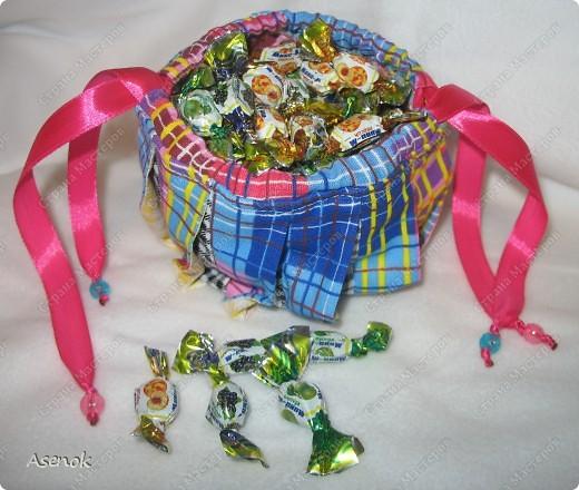 Омияге - это традиционный японский сувенир, который привозят из путешествия друзьям и коллегам. Чаще всего это сладости. Но не будешь же дарить сладости горстями. И японцы придумали дарить конфеты в мешочках. И вот теперь такой мешочек есть и у меня.  фото 2
