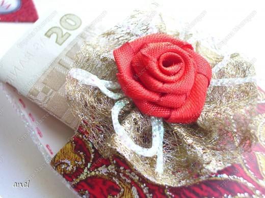 Чтобы подарить деньги приходится выискивать новые и новые варианты.Вот мастер класс по туфельке.     http://artfulaffirmations.blogspot.com/2010/01/elegant-shoe-tutorial.html фото 2