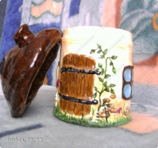 Воспользовалась интересной идеей создания шкатулки в виде грибочка с сайта http://likonsta.ucoz.ru/blog/kak_sdelat_shkatulku_master_klass/2010-06-03-459. Делала все так, как показано в мастер-классе. фото 1