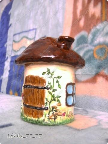 Воспользовалась интересной идеей создания шкатулки в виде грибочка с сайта http://likonsta.ucoz.ru/blog/kak_sdelat_shkatulku_master_klass/2010-06-03-459. Делала все так, как показано в мастер-классе. фото 3