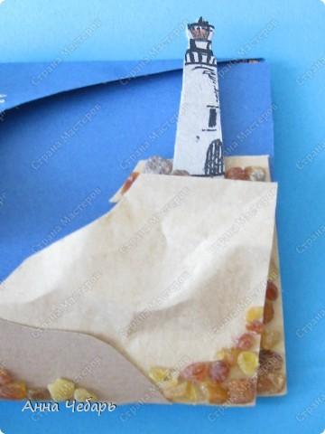 """Дарим учительнице литературы билеты в РАМТ на """"Алые паруса"""". Решила сделать тематический конвертик-открытку. Умом понимаю, что это просто упаковка и что учительнице мои изыски ни за чем не нужны... Но остановиться просто не могу :) Одинокий маяк... фото 4"""