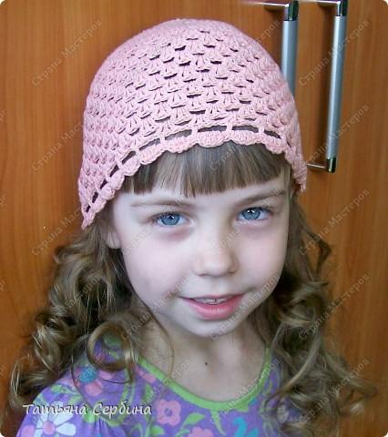 Описание этой  летней шапочки нашла в Интернете и  вязала по МК, только сделала 2 рюши ( в образце было 3).   фото 7