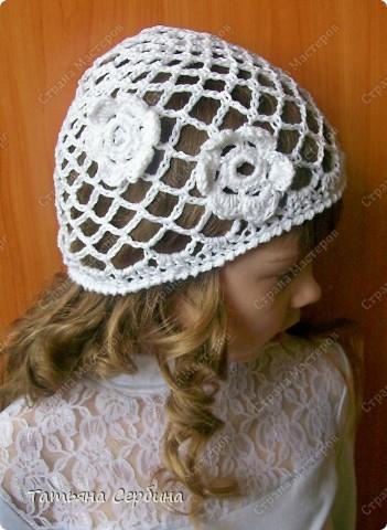Описание этой  летней шапочки нашла в Интернете и  вязала по МК, только сделала 2 рюши ( в образце было 3).   фото 4