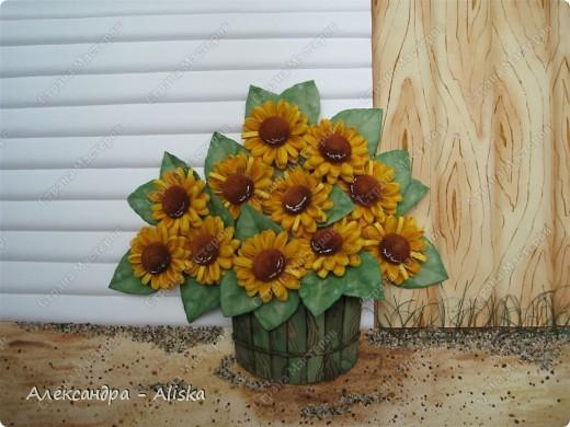 Представляю вам мои подсолнухи. Работа над картиной была очень интересна, она включает в себя умение работы с акварельными красками. Результатом вполне довольна.  фото 2
