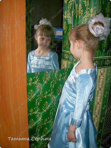 Первое платье, которое я сшила старшей доченьке на выпускной в садик. Модель придумала сама: фото 15