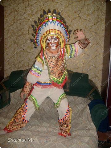 """""""Индеец племени тигров"""",костюм придумала в год тигра, совместив два образа. Использовала ткань с тигриной расцветкой, на лице грим. фото 1"""