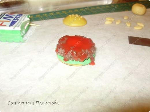 Карамельный цвет пластики нужно смешать с белым, т.к. сам карамельный давольно темноват для нашей булки. фото 11