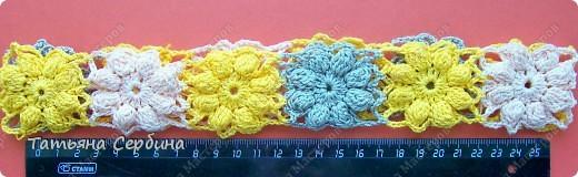 Берет связала из остатков ярко-жёлтой,  нежно-розовой и бежевой пряжи. фото 6