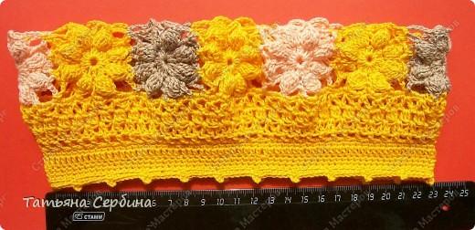 Берет связала из остатков ярко-жёлтой,  нежно-розовой и бежевой пряжи. фото 7