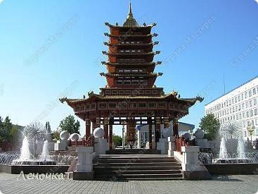 Знакомтесь. Столица Калмыкии- город Элиста. Почему-то многие считают, что это чуть ли не заграница....Ошибаются конечно же.А это Пагода... фото 1