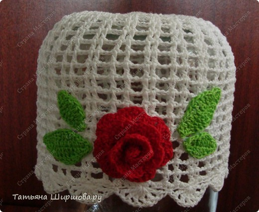 Летняя шапочка с розой