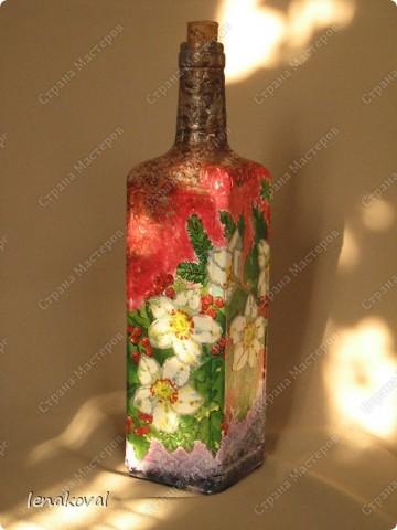 Вот такую бутылочку торопилась делала во время Великого поста для освященного масла. Но на службу не попала, теперь до следующего раза буду ждать. Высота бутылочки 10-12 см. Внутри изображение храма. фото 8