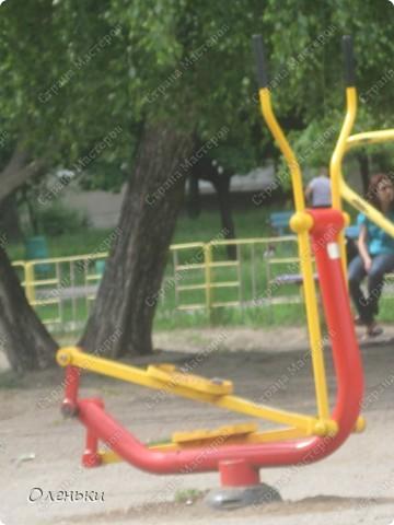 Вот такие комплексы стоят в парках и скверах Харькова фото 4