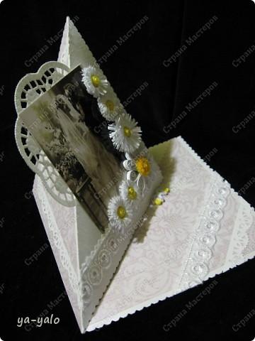 Это моя первая свадебная открытка))) Сделана на заказ, это я к тому говорю, чтобы вы не подумали, что такое прекрасное событие постигло кого-то из моих близких)) фото 2