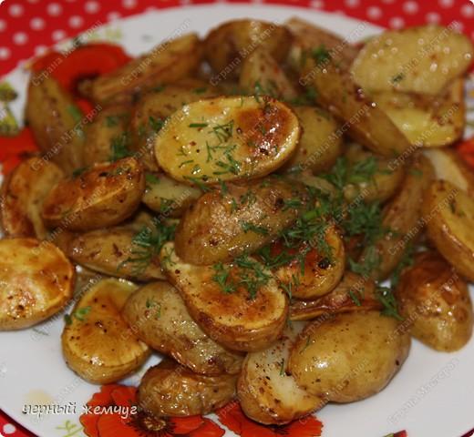 Картофель молодой запеченый. фото 1