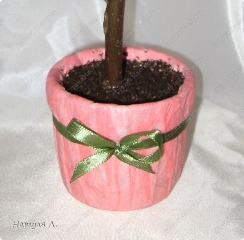 Девочки, хочу немного рассказать и показать как я делаю такие деревья.  По бутонам роз смотрите здесь  http://stranamasterov.ru/node/192686   фото 16