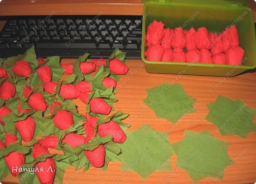 Девочки, хочу немного рассказать и показать как я делаю такие деревья.  По бутонам роз смотрите здесь  http://stranamasterov.ru/node/192686   фото 25