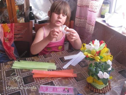 Сегодня вечером Ася приехала с турслёта, и привезла цветы!!!Мне они очень понравились. Я спросила Асю, помнит ли она, как делаются цветы, и Ася без промедления стала мне показывать. Так родился Мастер - класс от Асюши. фото 11