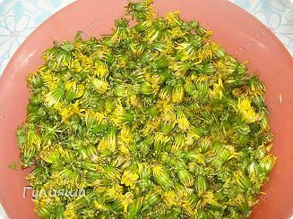 Понадобятся терпение и хорошое настроение и еще... 350-400 шт цветочков одуванчика, 2 кг сахарного песка, 1 литр воды холодной, 1 лимон или апельсин, 2 ч.лож лимонной кислоты фото 3